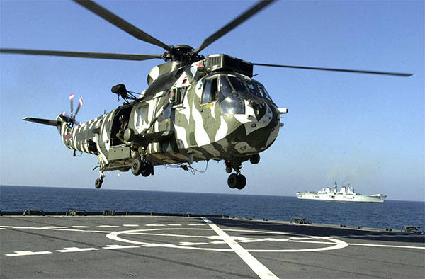 sea king hc.4 helicopter