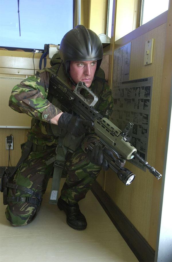 40-commando-ship.jpg