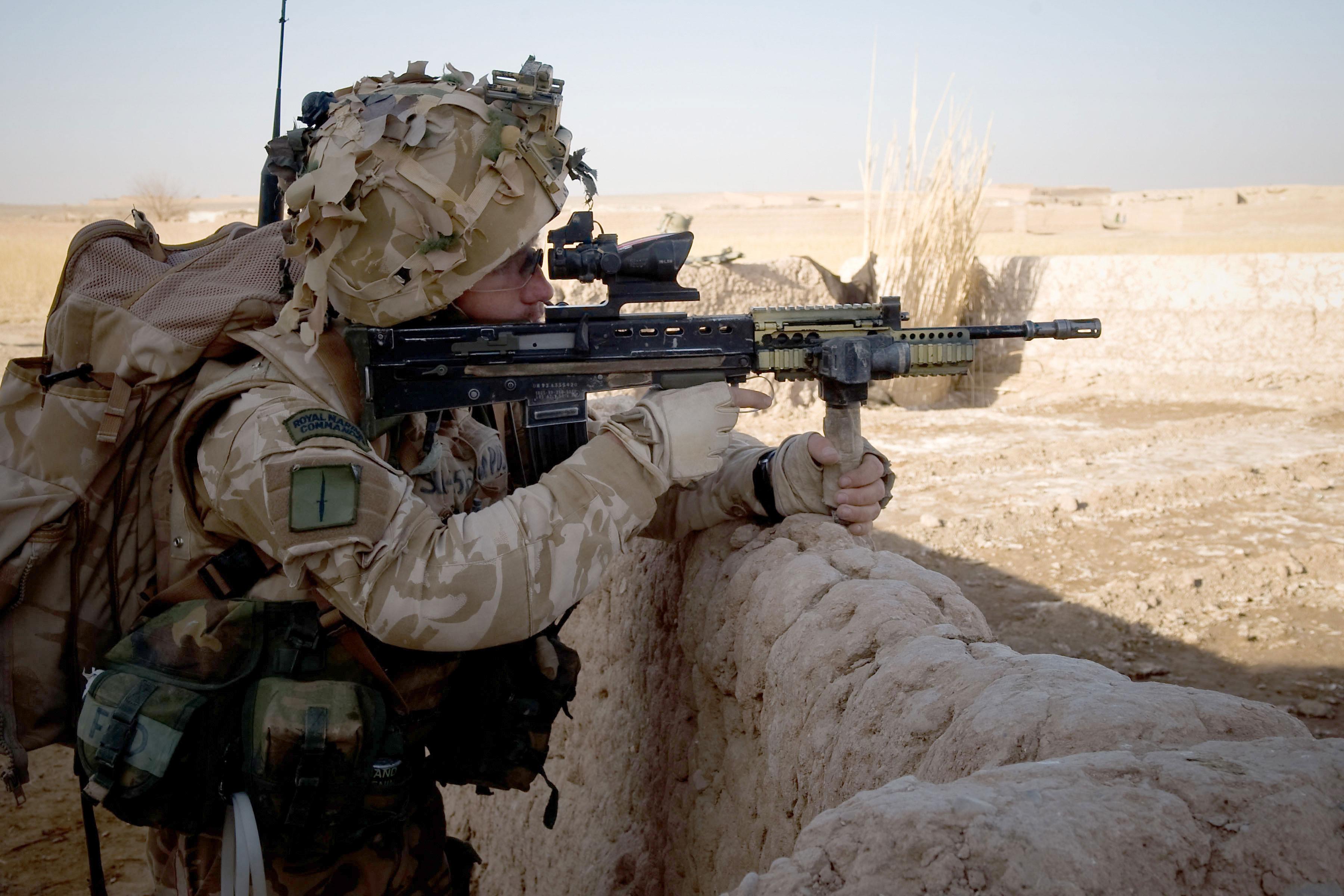 usmc machine gunner