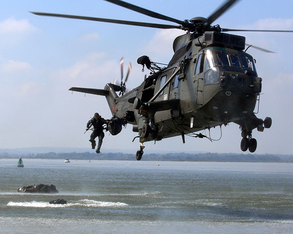 Royal Marines helocasting