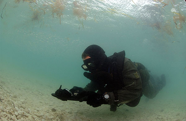 Uksf diving gear - Navy seal dive gear ...