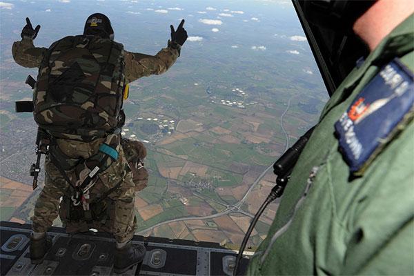 pathfinder-parachutist.jpg